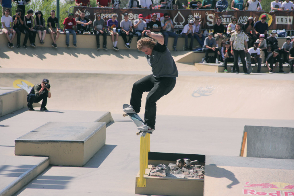 Jamie Foy_Skating_3